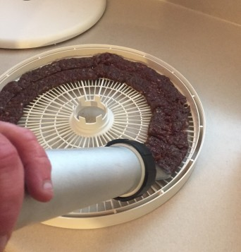 Using the gun to form jerky strips